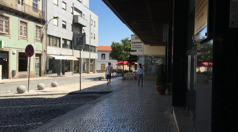 JOVENS AGREDIDOS POR GRUPO DE 10 ELEMENTOS NA NOITE DE FAMALICÃO