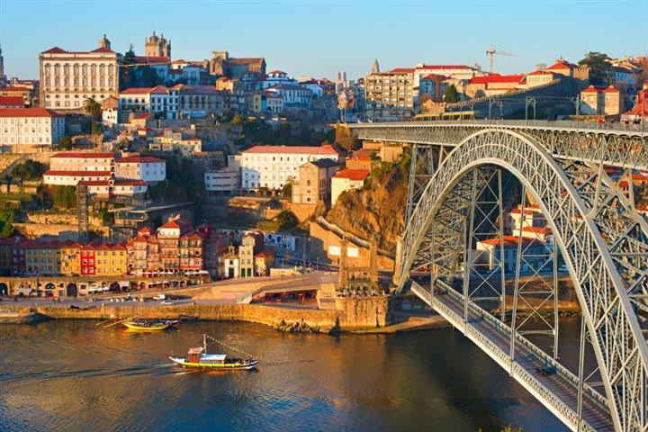 Conversas  U00e0 Volta Das Imagens Do Porto  No Arquivo Municipal De Famalic U00e3o  U2013 Cidade Hoje